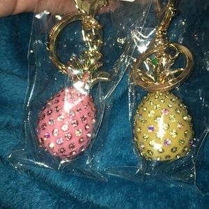 Accessories - Pineapple key chain gorgeous pineapple decor